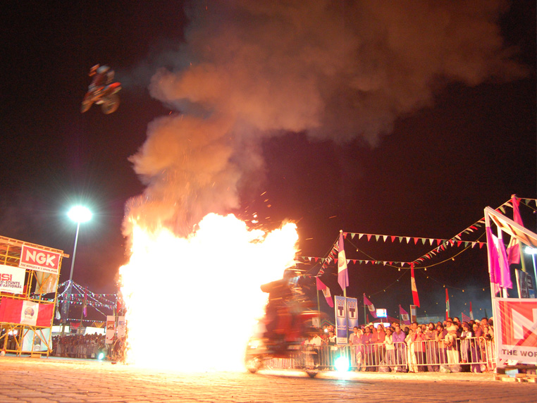 Muscat Festival Stunt Display, Motorcycle stunts.
